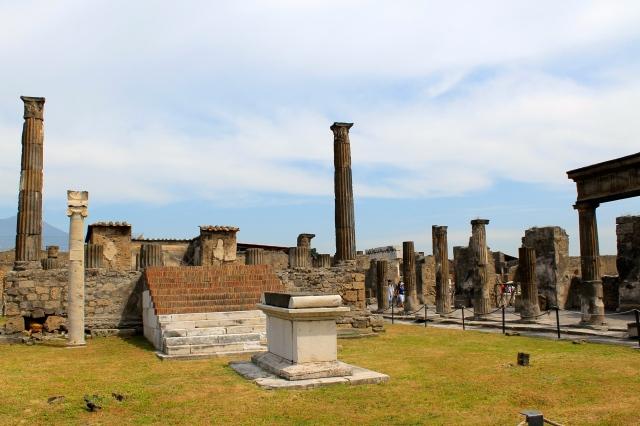 Pride and Polka Dots Pompeii Tour